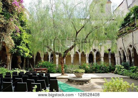 Sorrento San Francesco church cloister place of civil marriage wedding destination in Italy