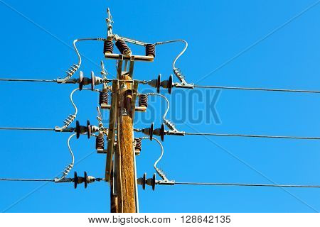 In Oman The Electric Cable   Current Line
