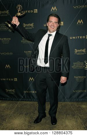 LOS ANGELES - APR 29: Jon Mauldin at The 43rd Daytime Creative Arts Emmy Awards Gala at the Westin Bonaventure Hotel on April 29, 2016 in Los Angeles, California