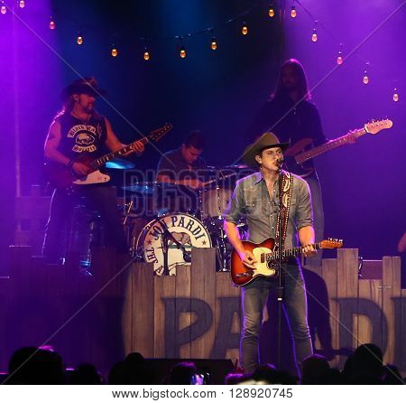HUNTINGTON, NY-JAN 8: Musician Jon Pardi performs onstage during the