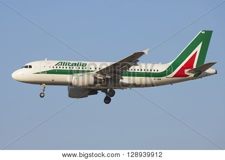 SAINT PETERSBURG, RUSSIA - MARCH 28, 2016: The Airbus A319-111 ( EI-IMW) Alitalia in profile closeup