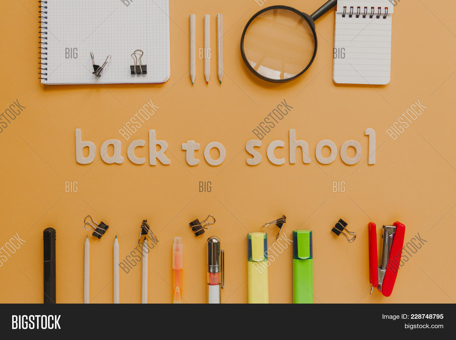 Magnifying Back To School Wooden Powerpoint Template Magnifying