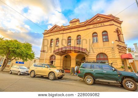 Albany, Australia - Dec 28, 2017: London Hotel Built In 1909 At Sunset Light, A Heritage Listed Buil