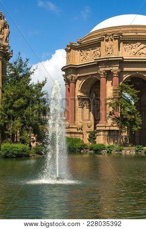 San Francisco, Usa - April 2017: Palace Of Fine Arts At San Francisco Recreation And Parks, Usa. Exp