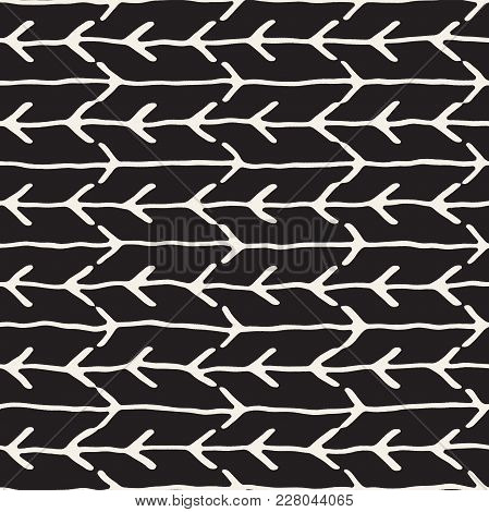 Hand Drawn Style Seamless Pattern. Abstract Geometric Tiling Background In Black And White. Vector S