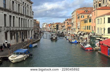 Venice, Italy - January 20, 2018. View Of Canal Cannaregio   And Fondamenta De Ca Labia From Guglie