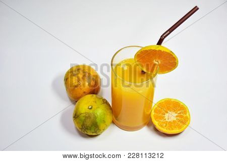 Orange Juice, 100% Fruit Juice, Beneficial To The Body, Drink To Nourish And Health Care.