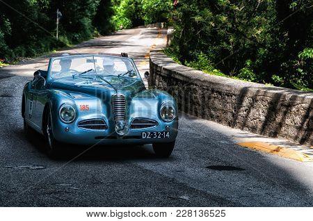 Gola Del Furlo, Italy - May 19: Alfa Romeo 6c 2500 Ss 1947 On An Old Racing Car In Rally Mille Migli