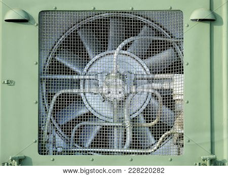 Metal Fan For Cooling.protects Against Heating Of The Mechanism.