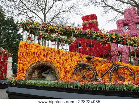 Platform With  Tulips And Hyacinths During The Traditional Flowers Parade Bloemencorso From Noordwij