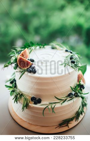 Rustic Banquet. Wedding Banquet Table With Food And Drink At The Festival. The Rustic Styles.