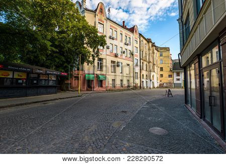 Uzhgorod, Ukraine - Jun 11, 2017: Fedunsya Street Of Uzhgorod. Lovely Cityscape With Beautiful Old A