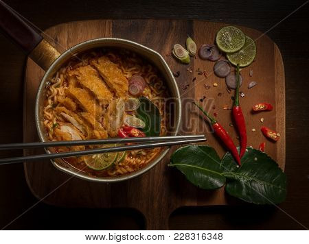 Chicken Whit Mama Hot And Sour Soup.