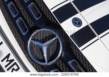 Fuerth / Germany - February 25, 2018: Mercedes-benz Symbol On A Car. Mercedes-benz Is A Global Autom