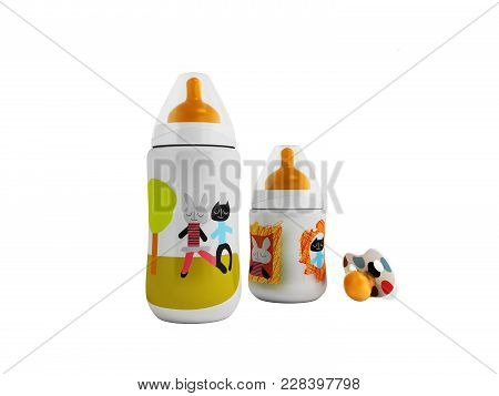 A Set Of Bottles And A Pacifier For A Child 3d Render On A White Fonet No Shadow