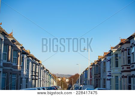 Landscape Orientation Of Typical Uk Residential Street