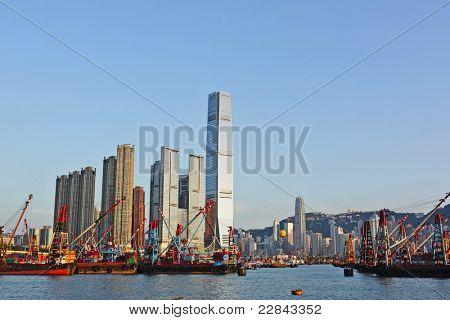 Hong Kong Hafen mit Arbeiten Schiff