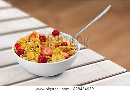 Delicious Berries Flakes Oat Flakes Table Red Blue