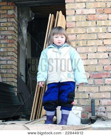 little girl build