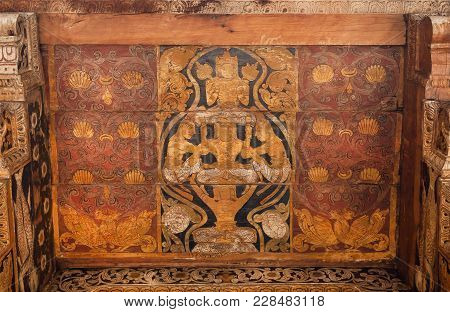 Kandy, Sri Lanka - Jan 6, 2017: Paintings Of Myth Heroes On Ceiling Of The 16th Century Temple Of Sa
