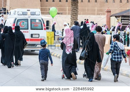 Saudi People In Janadriyah Festival Essay February 23, 2018 In Riyadh, Saudi Arabia
