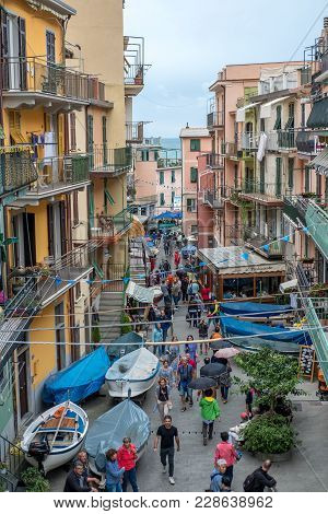 Manarola, Italy - 18 September 2017 : People Walking In The Town Of Manarola, A Small Town In The Pr
