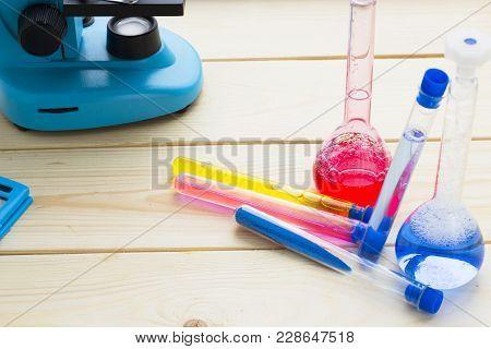 Chemistry Class Makes Chemistry Experiment. Stem. Robotics, Mechanic, Chemistry, Biology. Modern Edu