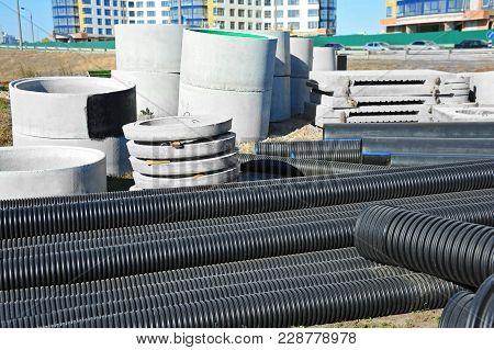 Concrete Circle Pit And Pvc Pipe