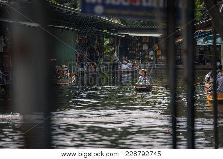 Bangkok Thailand - October 08: Drink Trader Paddle Rowboat In The Former Times Floating Market On Oc