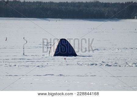 Fish Men Camp On Frozen Sea Extreme Sport And Beautiful Rest Time Peaceful For Body And Mind