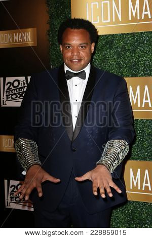 LOS ANGELES - FEB 27:  Eric Lewis, ELEW at the 6th Annual ICON MANN Pre-Oscar Dinner at Beverly Wilshire Hotel on February 27, 2018 in Beverly Hills, CA