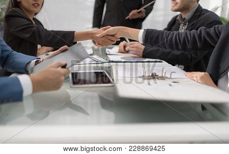 Confident Business People Are Shaking Hands After Agreeing To A Successful Job. Business People Shak