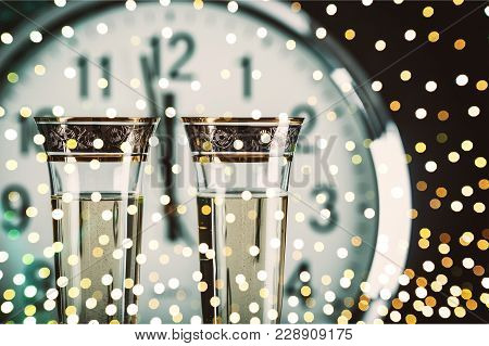 Clock Champagne Glasses Champagne Flute Alcoholic Drink Background Nobody