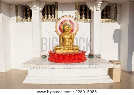 Buddha Statue At The Ampara Peace Pagoda Or Ampara Sama Ceitya. It Is One Of A Number Of Japanese Pe