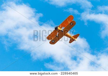 Eden Prairie, Mn - July 16 2016: N2s-1 Bush Stearman Flies Overhead. A Trainer Aircraft During Wwii,