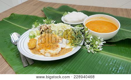 Rice Vermicelli With Fish Curry Sauce And Raw Vegetable Thai Food Ready To Eat Or Lightly Fermented