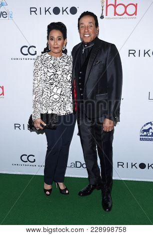 LOS ANGELES - FEB 25:  Smokey Robinson and Frances Glandney arrives for the Hollywood Beauty Awards 2018 on February 25, 2018 in Hollywood, CA