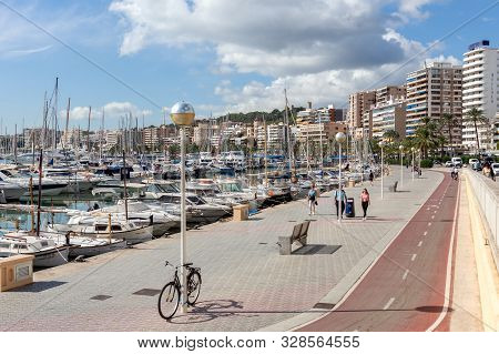 Palma De Mallorca, Spain - October 16, 2018: Maritime Promenade, Paseo Maritimo - Palma De Mallorca,