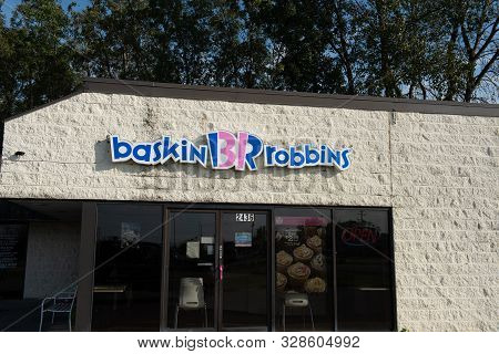 Appleton, Wi - 24 September 2019: A Baskin Robbins Store Front With Sign That Serves Ice Cream