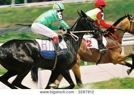 Carrera de caballos.