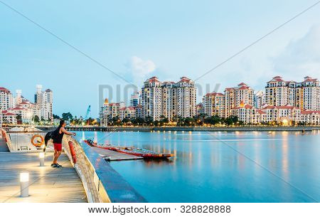 Singapore-14 Jun 2018: Singapore Down Town Area Riverfront Walk Way Night View