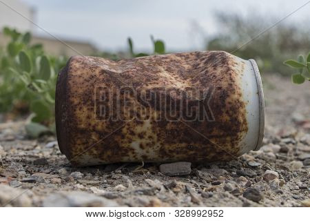 Rusty Soda Can, Rusty Soda Can Lying In The Field, Rusty Can, Old Rusty Can Outdoor,trash