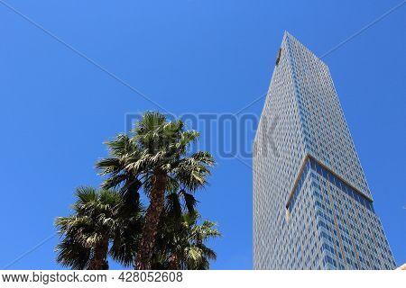 Las Vegas, Usa - April 14, 2014: Mandarin Oriental Hotel In Las Vegas, Nevada. It Is The Best Rated
