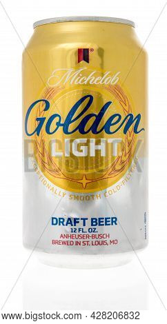 Winneconne, Wi -28 July 2021:  A Can Of Michelob Golden Light Draft Beer On An Isolated Background