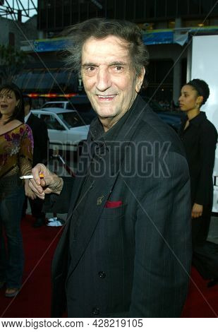 LOS ANGELES - APR 23: Harry Dean Stanton arrives to  the 'Identity' Hollywood Premiere on April 23, 2003 in Hollywood, CA
