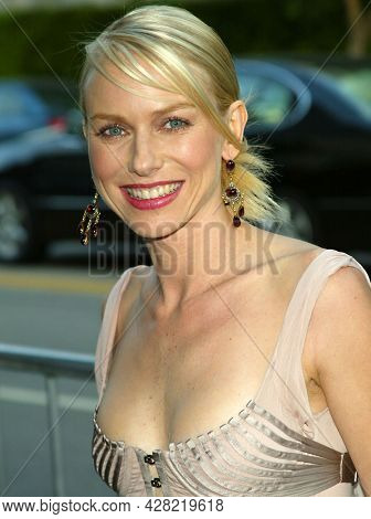 LOS ANGELES - JUL 29: Naomi Watts arrives to  the 'Le Divorce'  Los Angeles Premiere on July 29, 2003 in Westwood, CA