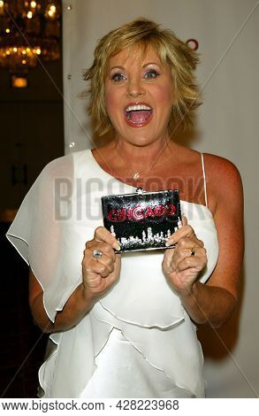 LOS ANGELES - AUG 19: Lorna Luft arrives for the 2nd Annual 'Runway For Life' Celebrity Fashion Show on August 19, 2003 in Beverly Hills, CA