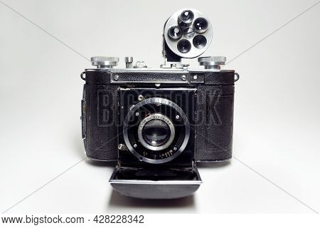 Antique Folding Camera For 35mm Film, With Extendable Lens, With Installed In Hot Shoe Turret Viewfi