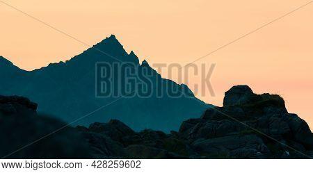 Sunset Behing Sgurr Nan Gillean