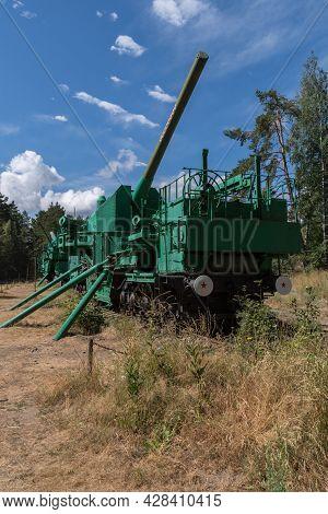 Fort Krasnaya Gorka, Russia - July 19, 2021: Artillery Transporters Tm-i-180 With A 180-mm Gun. Fort